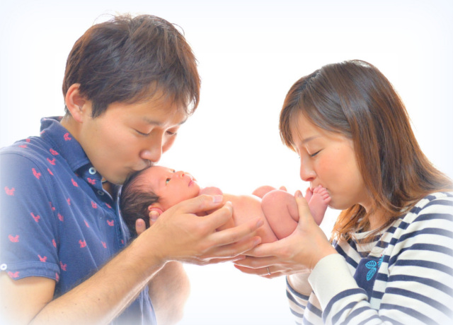 ニューボーンフォトとは~誕生の感動と喜びを写真に~